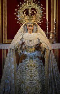 Lee más sobre el artículo María Santísima de Gracia y Amparo ataviada para el tiempo estival